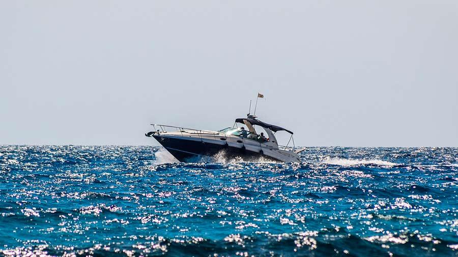 Actividades acuáticas en Blanes Alquiler de embarcaciones